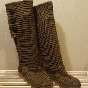 UGG Clasic Brown Black Cardi Knit Boots